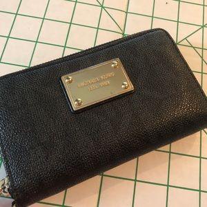 Michael Kors Black Wallet MK Logo gold zipper